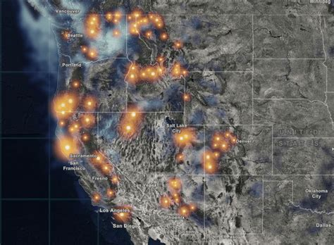 Real-Time and Interactive Map of Current Wildfires in the