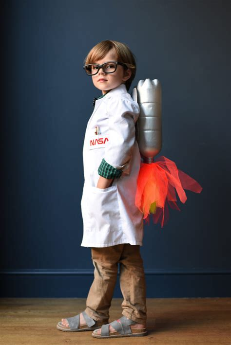 DIY SPACE COSTUME IDEAS – GET READY FOR BLAST OFF