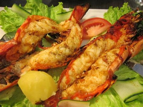 """The prawns and """"side order"""" of chips! - Picture of Casinha"""