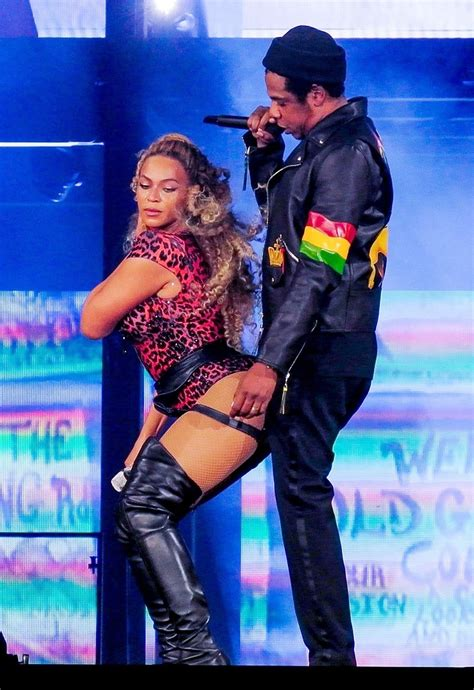 Beyonce Knowles wore sexy lingerie on stage during her 'On