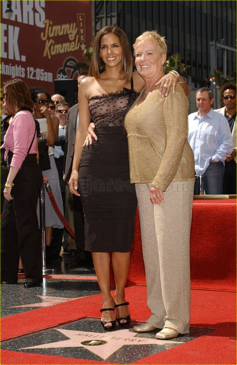 The Hollywood Stars Align For Halle Berry: Photo 88241