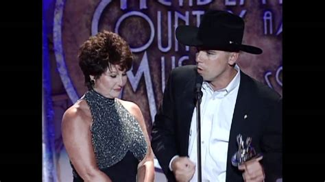 Kenny Chesney Wins Top New Male Vocalist - ACM Awards 1998