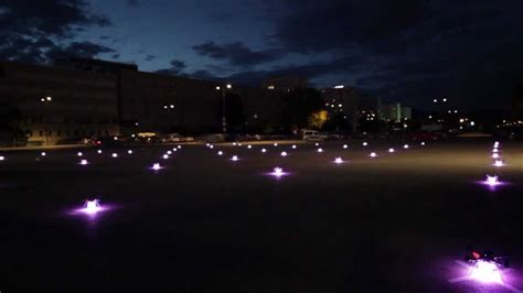 49 quadrocopter in outdoor-formation-flight / Ars