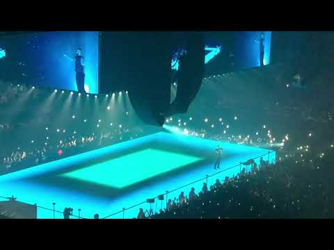 Watch Drake bring out Lil Baby on stage in Los Angeles