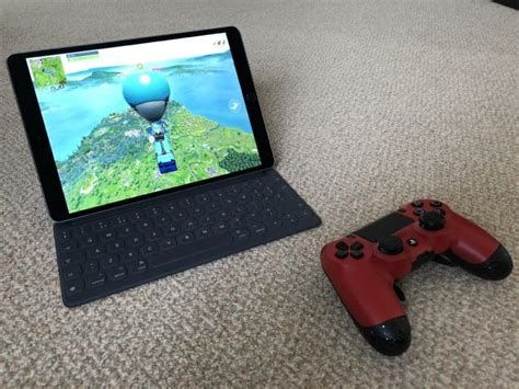 portable game console; Apple's Xbox and PS4 controller