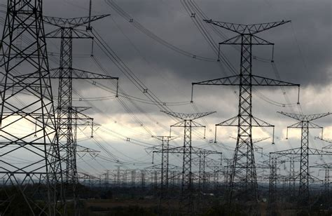 Hydro One customer waited almost a year for a bill: The
