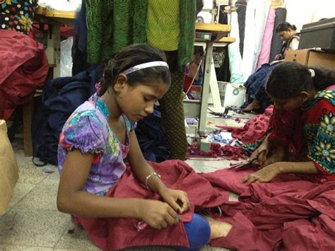 Live chat: Ask us about Bangladesh clothing industry